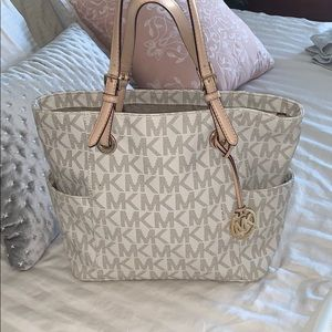 MICHAEL KORS MK PRINTED PURSE